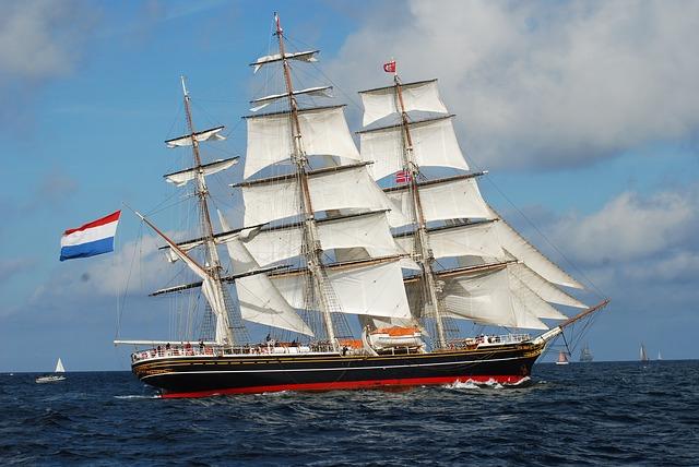 clipper ship sailing